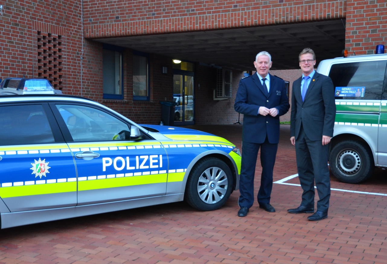 antrittsbesuch des neuen b rgermeisters bei der polizei. Black Bedroom Furniture Sets. Home Design Ideas